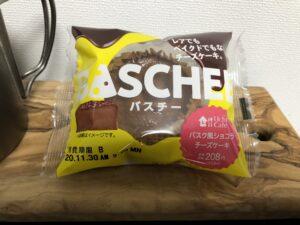Chocolate Basque Cheese Cake/LAWSON