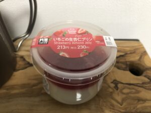 Strawberry Almond Jelly Pudding/Family Mart