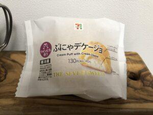 Cream Puff with Cream Cheese/Seven Eleven
